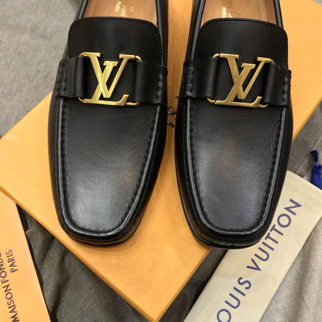 Mặt khóa vàng cổ điển trên phiên bản giày nam LV siêu cấp LVGN865