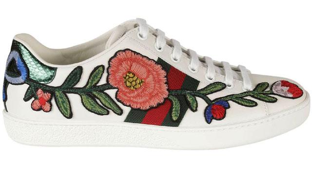 Giày Gucci Ace embroidered cũng được nhiều người ưa chuộng