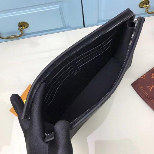 Bên trong túi CLutch LV nam M61692