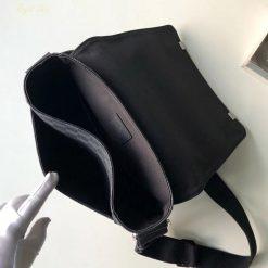 Bên trong túi nam đeo chéo LV N41028