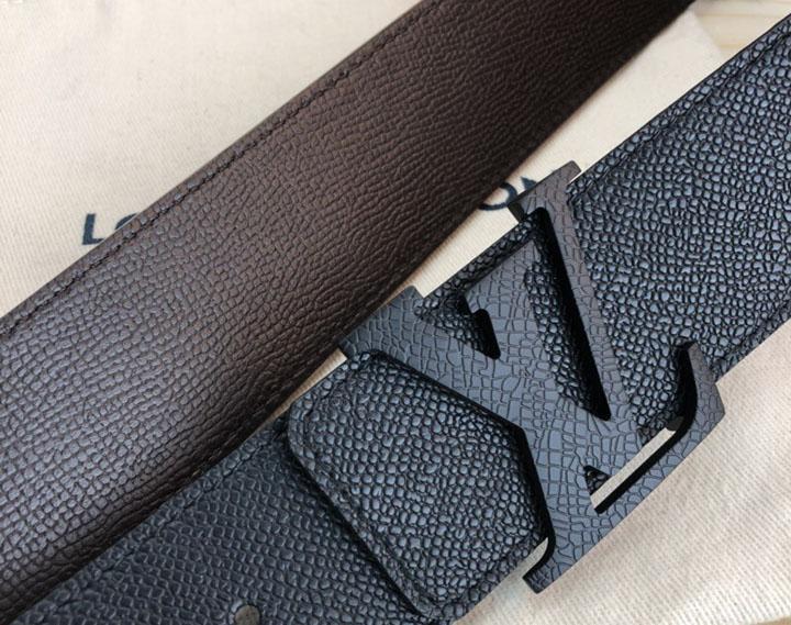 Biểu tượng của thắt lưng LV