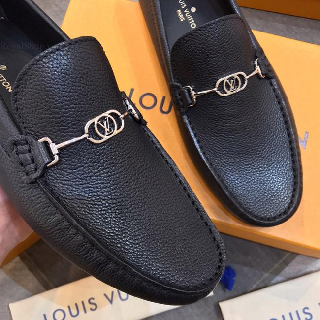 Chất liệu da sần trên giày mọi LVGN856