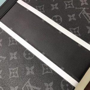 Chi tiết túi LV cầm tay