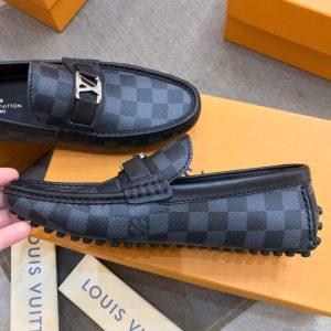 Trên tay giày LV nam caro xanh đậm