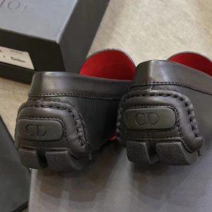 Gót giày được hoàn thiện tinh xảo
