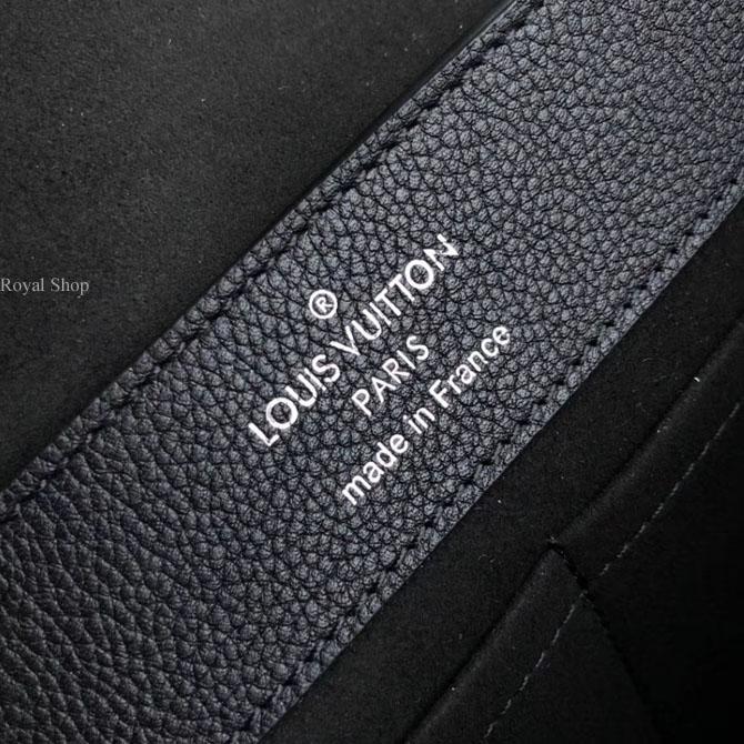 Phần chữ in ngay ngắn sắc nét trên túi LV nữ LVTF8116