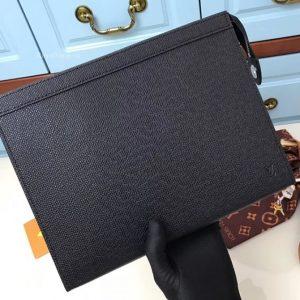 Túi cầm tay LV M30675