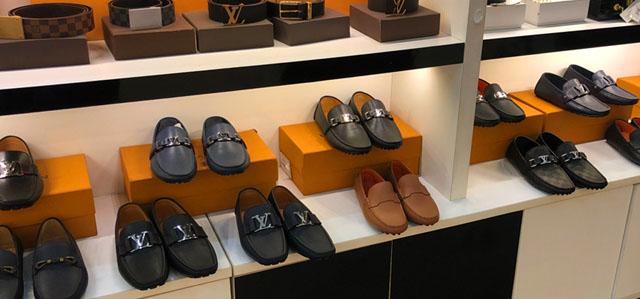 Giá bán giày lười LV nam Super fake