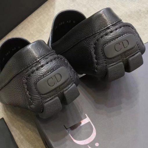 Phần gót giày Dior Được làm gọn gàng