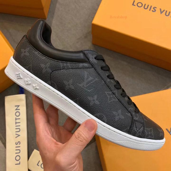 Trên tay giày LV 8295