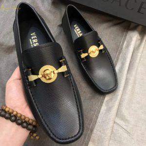 Trên tay giày Versace siêu cấp