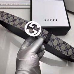 Mặt ngoài thắt lưng Gucci với lớp vải Canvas
