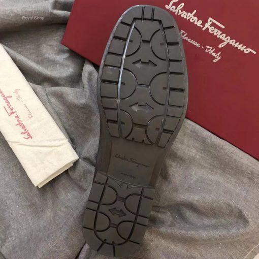 Phần đế giày làm từ cao su chất lượng cao
