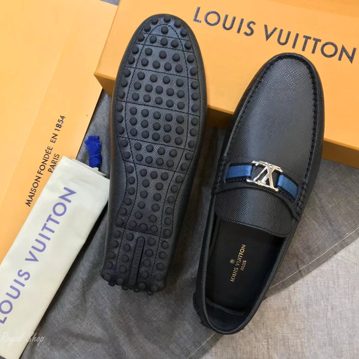 Phần đế giày làm từ cao su chống ăn mòn