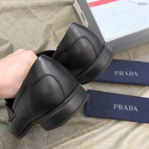 Gót giày tây Prada