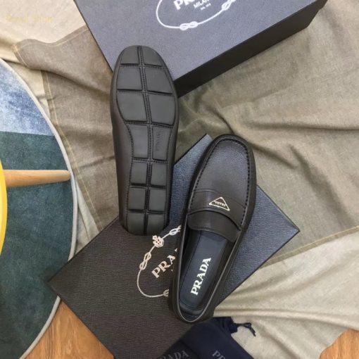 Đế giày Prada làm từ cao su đúc
