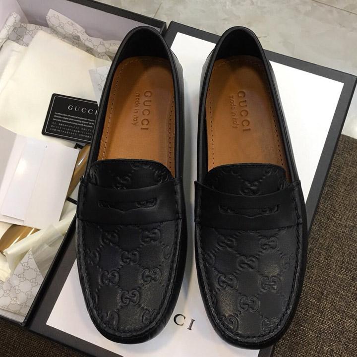 Mẫu giày nam Gucci có hạo tiết dập chìm 2019