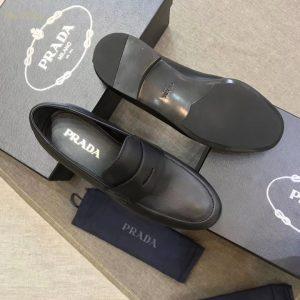 Phom giày Prada siêu cấp