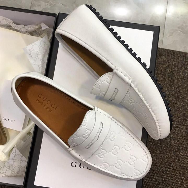 Phom giày được thiết kế trẻ trung năng động