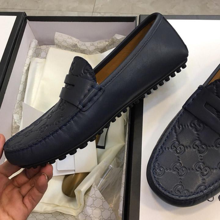 Trên tay giày nam Gucci GCGN5790
