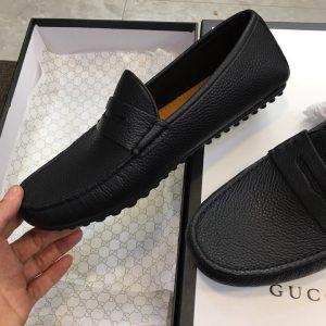 Trên tay giày nam Gucci GCGN5792