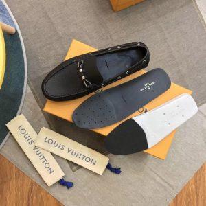 Chi tiết bên trong giày Mosca LV