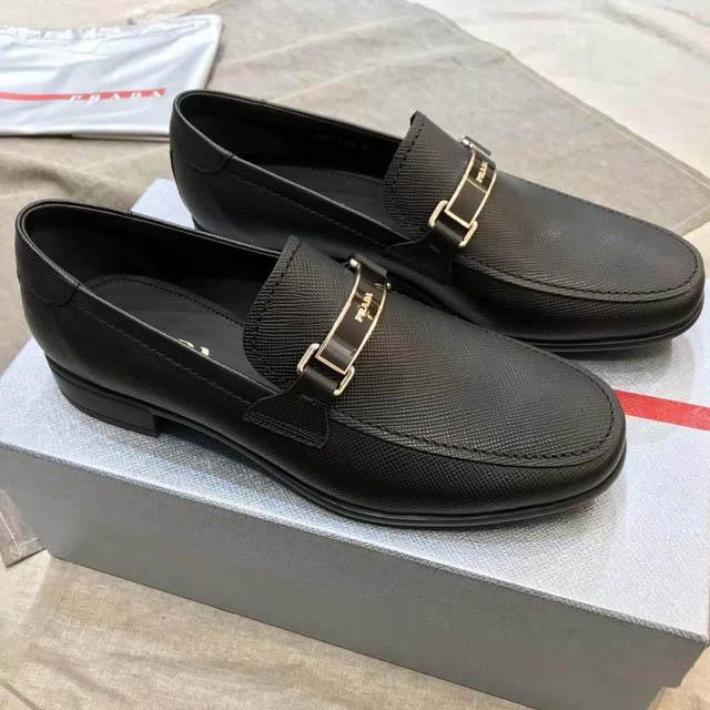 Địac hỉ bán giày Prada chính hãng