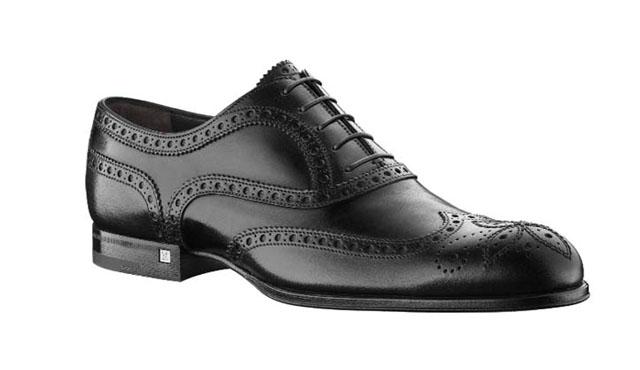 Giày nam Louis-vuitton mahattan có giá 240 triệu