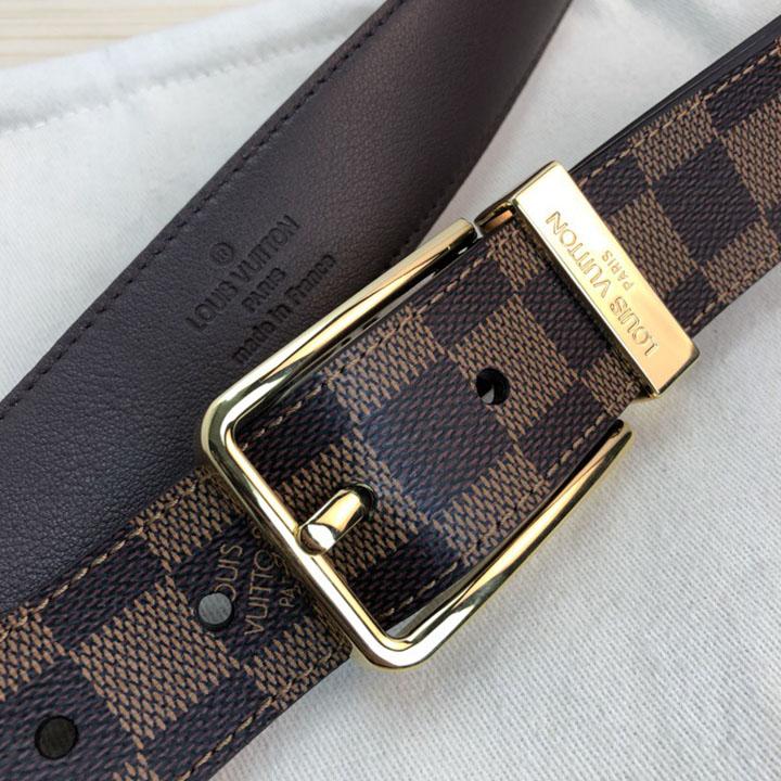Chi tiết dây nịt Louis Vuitton khóa kim