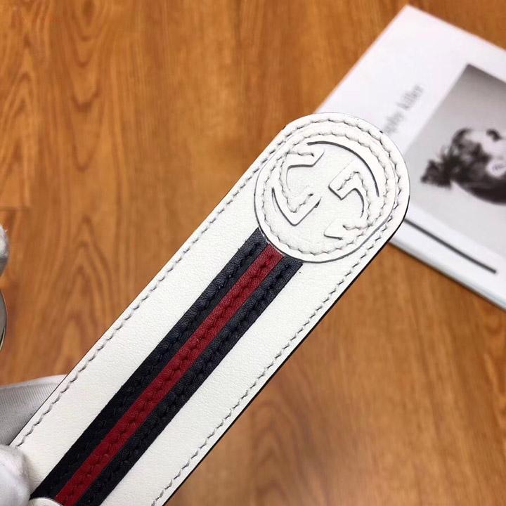 Chi tiết các đường chỉ may trên thắt lưng Gucci