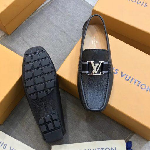 Đế giày làm từ cao su đúc