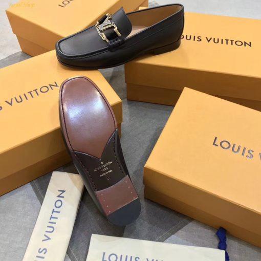 Phần đế giày làm từ gỗ thông