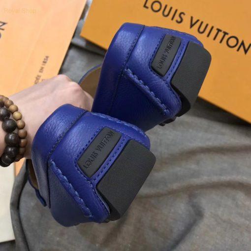Phần gót giày với dòng chữ Louis Vuitton được dập chìm