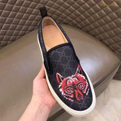Trên tay giày nam Gucci siêu cấp