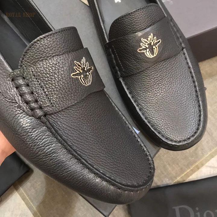 Mặt trước giày mọi Dior 867