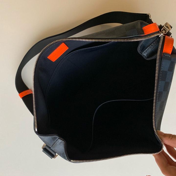 Bên trong túi nam LV siêu cấp LVTN8136