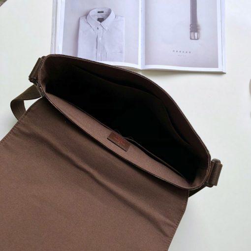 Bên trong túi nam đeo chéo màu nâu siêu cấp LVTN8132