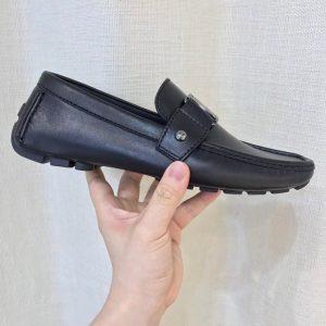 Cạnh bên của giày LV nam