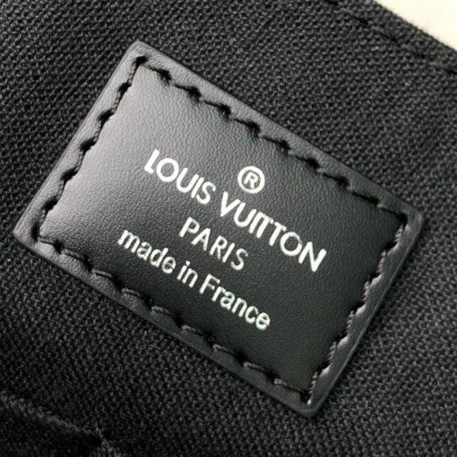 Thẻ da bên trong túi LVTN8133
