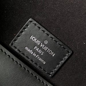 Thẻ da trong túi LVTN8139
