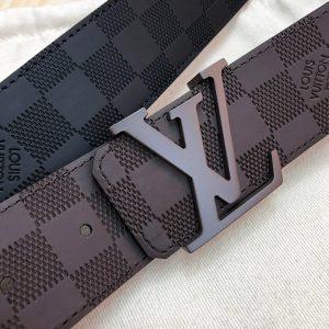 Cận cảnh thắt lưng nam Louis Vuitton