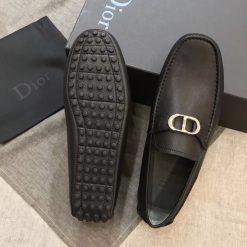 Đế giày Dior dạng đinh