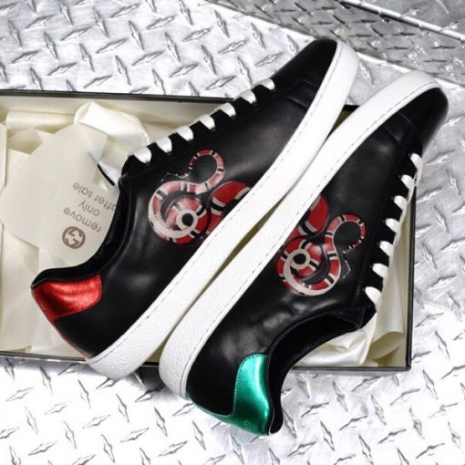 Giày Gucci con rắn