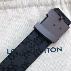 Mặt khóa thắt lưng LV làm từ thép