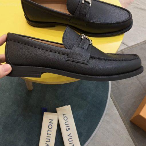 Trên tày giày LV nam LVGN8829