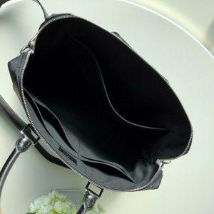 Bên trong túi xách LV nam LVTN8809