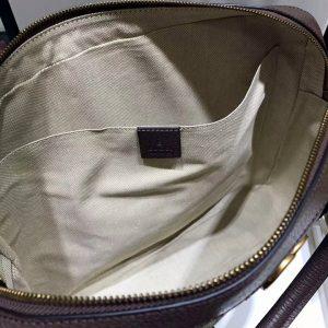 Bên trong túi xách nam công sở Gucci GCTN8126