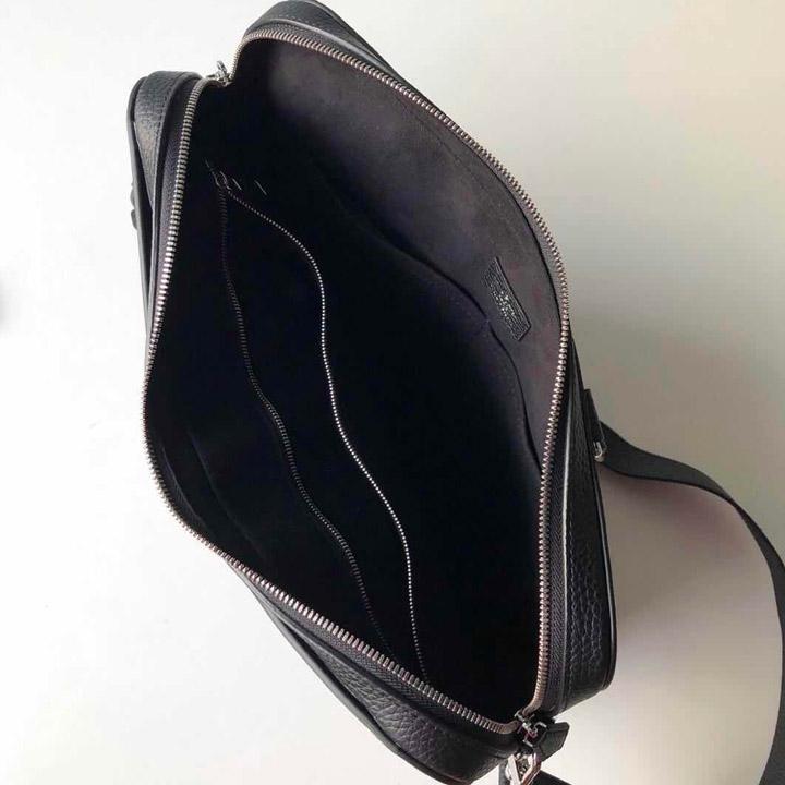 Chi tiết phía bên trong túi xách LV nam siêu cấp