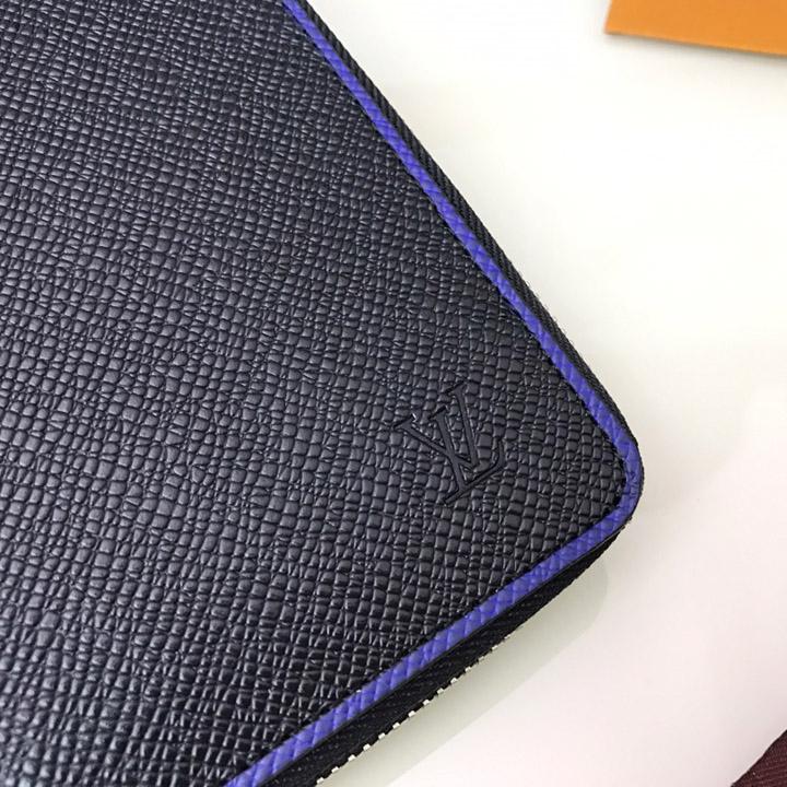 Logo LV trên ví dài nam Louis Vuitton