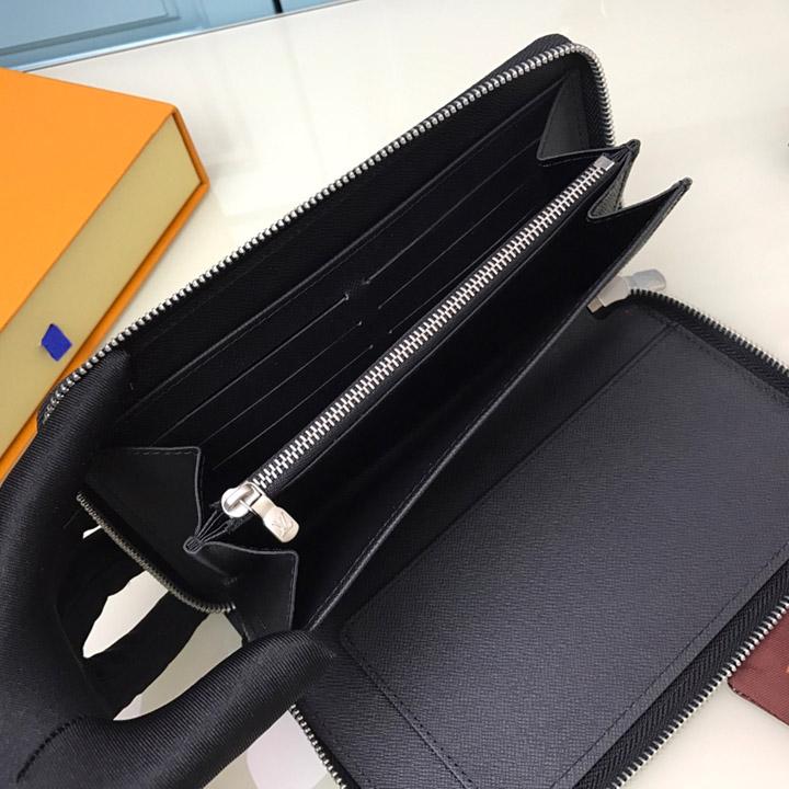 Chi tiết bên trong ví nam LVVN8230